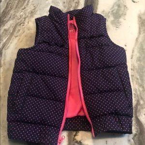 Like new! Oshkosh B'Gosh girls puffy vest. 2T.